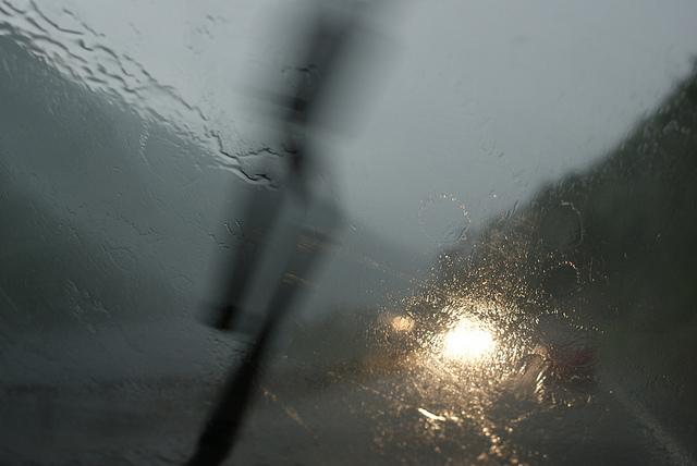 windshield wiper in the rain cc Kezee